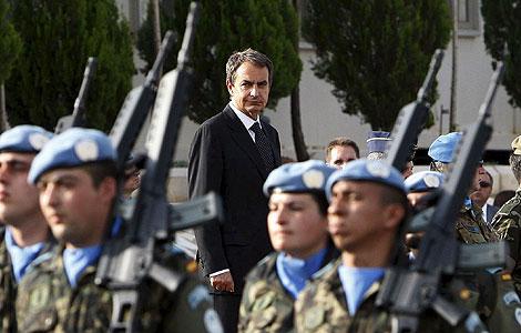 Zapatero, con las tropas en Marjayún. | Efe