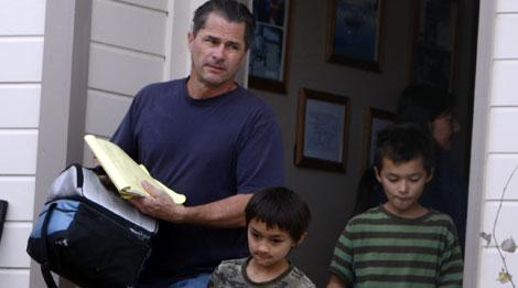Richard abandona su hogar junto a sus hijos.| Ap
