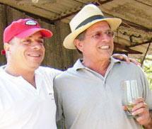 Lage y Hernández en una fiesta. (Foto: El Nuevo Herald) Vea el vídeo