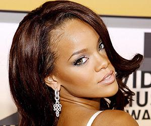 Rihanna en la presentación de 'Russian Roulette'. | Efe