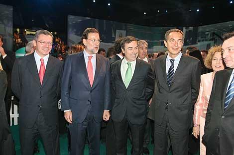 El presidente del Gobierno y el líder de la oposición han coincidido en el evento. | EL MUNDO