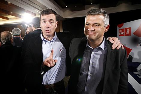 Gómez, junto a la Lucas en la primera Convención Socialista madrileña. | C. Alba