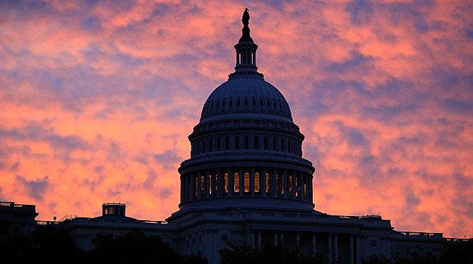 El edificio del Capitolio, en Washington, al amanecer.   AFP