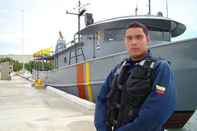 El marinero Gaviria, apasionado con el mar y su labor.