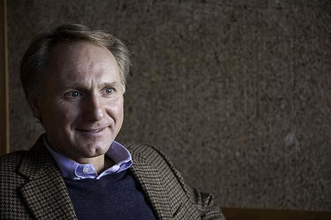 El escritor Dan Brown, durante su entrevista en EL MUNDO. | Isaac Hernández-Herrero