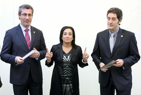 Markel Olano, Rafaela Romero y Pello González presentaron los Presupuestos.   Efe