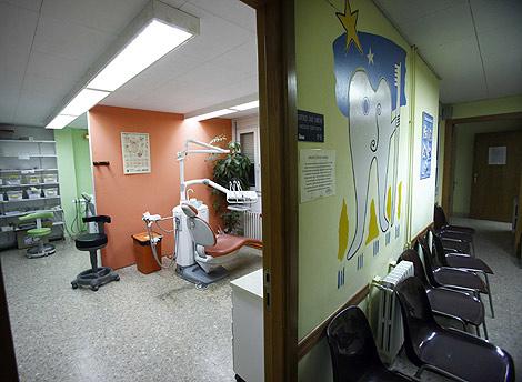 Consulta y sala de espera de Odontología Solidaria en Valencia. | V. Bosch