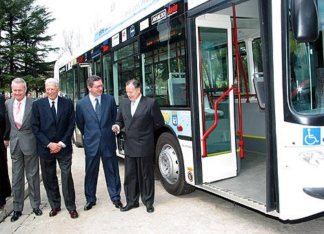 Presentación en Madrid de un autobús que funciona con hidrógeno | Ángel Casaña.