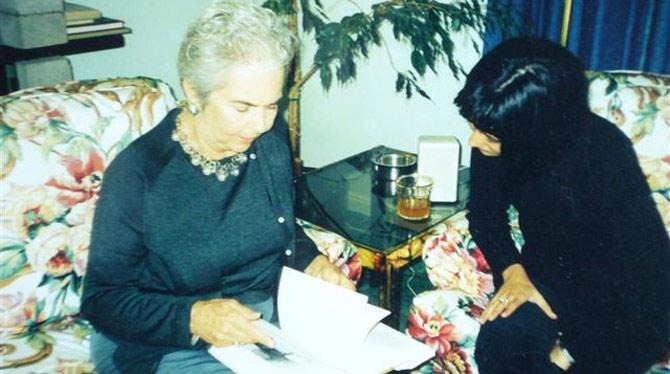 La autora del blog, junto a Nin Rosenkrantz, sobrina de Anaïs Nin. | W. G.