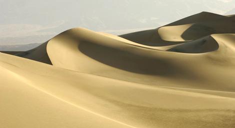 Dunas de arena en el desierto del Sáhara.   El Mundo.