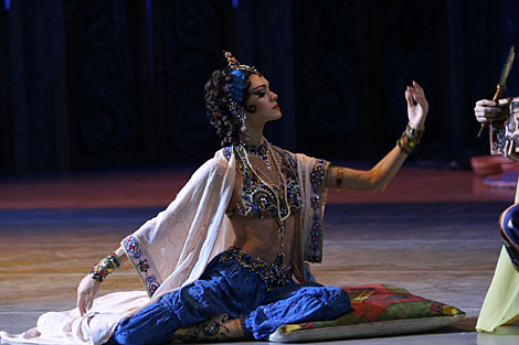 La bailarina Uliana Lopatkina en Sheherezade del Ballet Mariinsky.   N. Razina