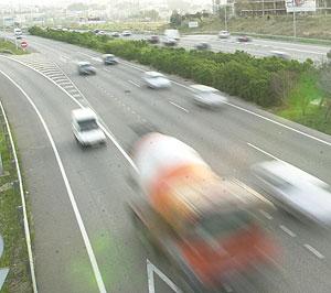 Coches por la autopista | El Mundo