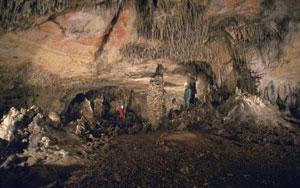 Galería de las Estatuas en la Cueva Mayor, Atapuerca. (Javier Trueba).