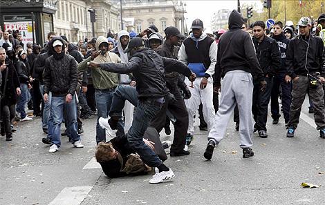 Una pelea provocada por la caótica campaña publicitaria. (Foto: Efe)