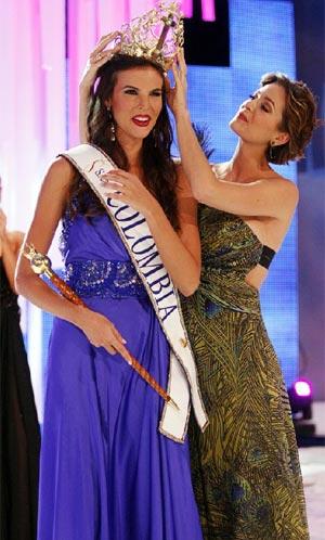 Natalia Navarro en el momento de la coronación como Miss Colombia.| Reuters