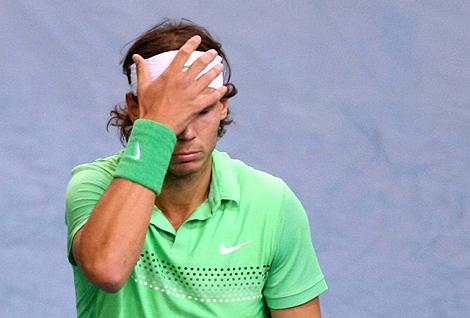 El tenista mallorquín, Rafa Nadal, derrotado por Djokovic en París.   Efe