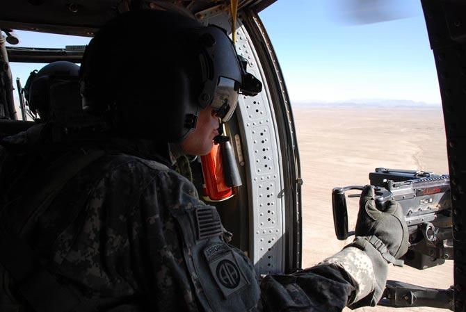 Un militar estadounidense durante el trayecto de Kandahar a Qalat.  M. Bernabé