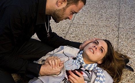 Catalina aparece herida en el final de temporada de 'Sin tetas no hay paraíso' (Foto: Telecinco)