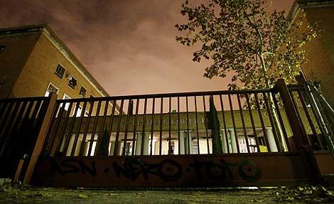 La Facultad de Farmacia de la Complutense, en una imagen tomada anoche. | Alberto Di Lolli