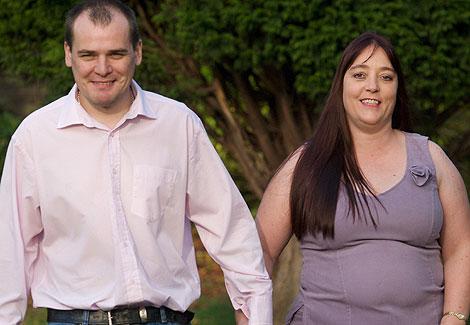 Michelle Thompson con su novio Andrew, en Lancaster.   News of the World