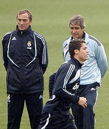 Pellegrini, junto a Cristiano. (EFE)