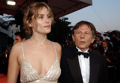 Emmanuelle Seigner junto a su marido en una imagen de 2002.   Ap