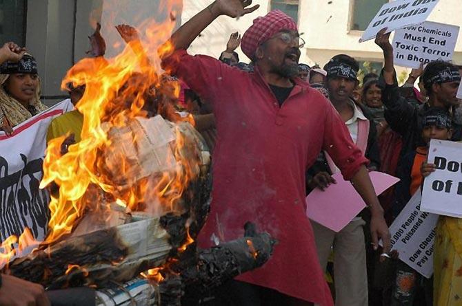 Protestas en Nueva Delhi en el aniversario de Bhopal.| www.bhopal.org