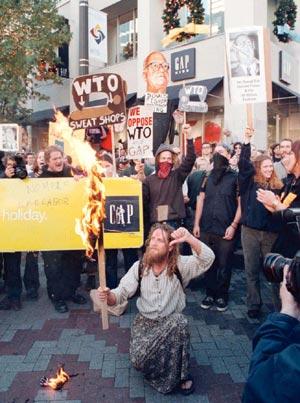 Manifestación contra la celebración de la Cumbre de la Organización Mundial de Comercio en Seattle.(Archivo)