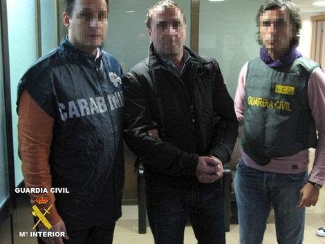El italiano domenico V., durante su arresto. | Efe