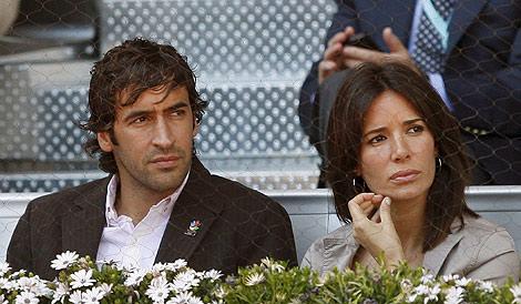 El futbolista y su esposa, Mamen Sanz, el pasado año. | Efe