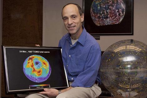 Drew Shindell, en su despacho del Goddard Center de la NASA. | Miguel Rajmil