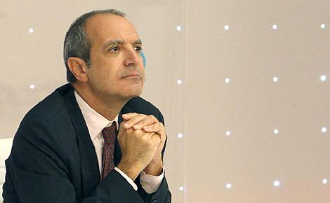 Luis Fernández durante la rueda de prensa en la que anunciaba su dimisión el pasado mes de noviembre. (Foto: Efe)