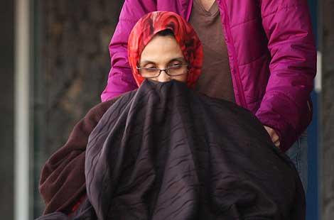Aminatu Haidar, en su silla de ruedas.   AFP