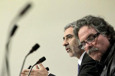 Los diputados Llamazares y Tardá presentan sus propuestas. | Efe