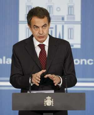 Zapatero, durante la presentación del Informe Económico, el jueves 10 de diciembre. (Foto: Efe).
