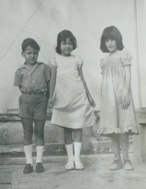Wendy con dos de sus amigos.