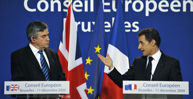 Brown y Sarkozy durante la conferencia de prensa. | AFP