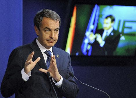 Zapatero en la cumbre europea de Bruselas.| Reuters