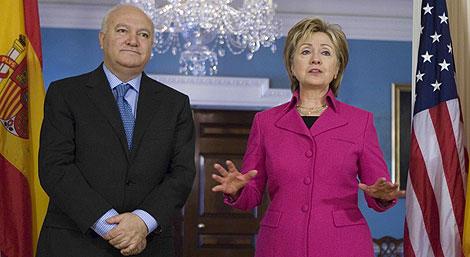 Moratinos y Clinton, durante su última reunión. | AP