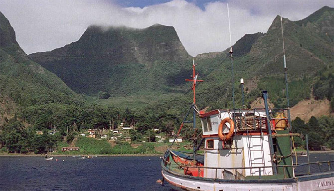 Rumbo a la isla de Robinsón Crusoe, en los mapas, archipiélago de Juan Fernández.