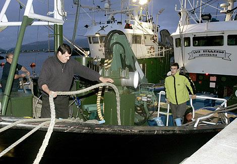 Uno de los barcos de la pesca de anchoa, en Hondarribia. | Justy García Koch