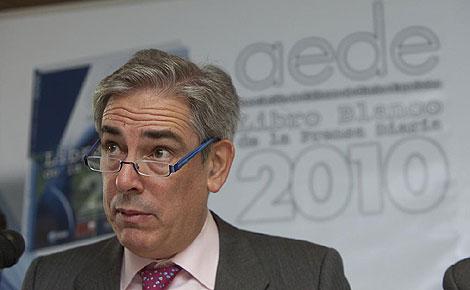 Antonio Fernández-Galiano, durante la presentación del libro. (Foto: Gonzalo Arroyo).