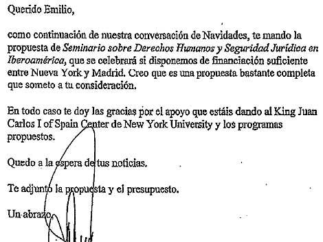 Uno de los escritos del juez al banquero.