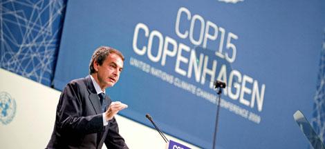 Zapatero durante su intervención de esta tarde.   Efe