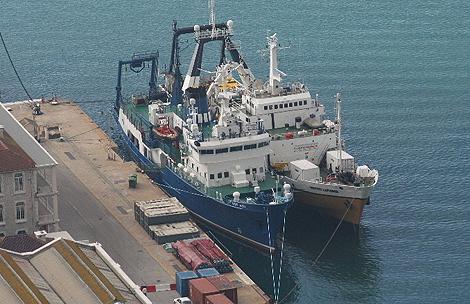 Los barcos 'Odyssey Explorer' y 'Ocean Alert' en Gibraltar. | Archivo