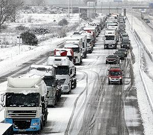 Carreteras cubiertas con nieve en Zamora, el pasado 23 de diciembre. | Efe
