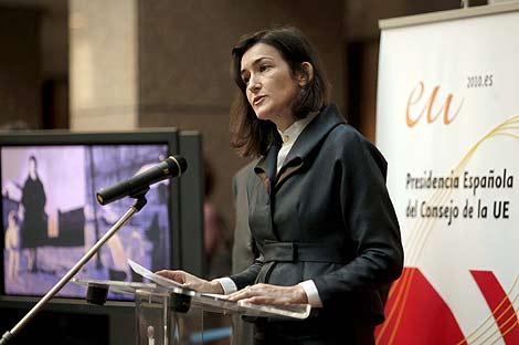 La ministra de Cultura durante su conferencia en Bruselas.   Efe