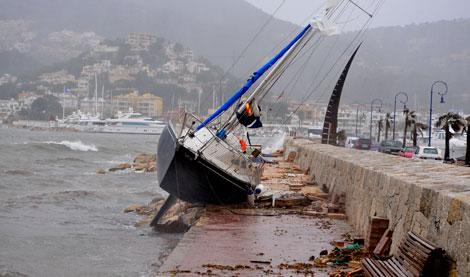 Imagen del barco siniestrado en Andratx. | Alberto Vera
