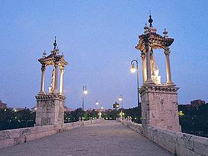Imagen del Puente del Mar de Valencia.