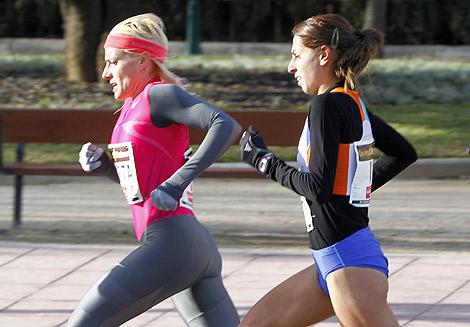 Marta Domínguez, seguida por Gema Barrachina. | Foto: Vicent Bosch